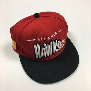 VINTAGE 00s NEW ERA ATLANTA HAWKS SNAPBACK HAT